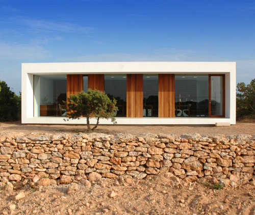 minimal house set in scrubland in spain