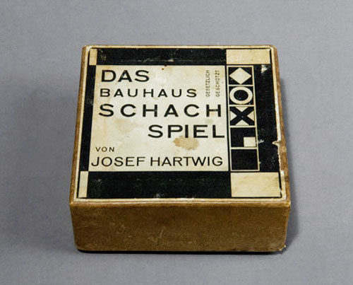 Icon Bauhaus Chess Set By Josef Hartwig Daily Icon