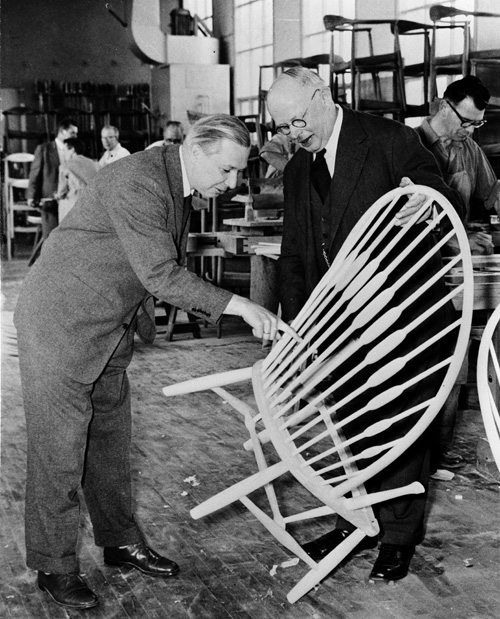 exhibition hans j wegner just one good chair daily icon. Black Bedroom Furniture Sets. Home Design Ideas