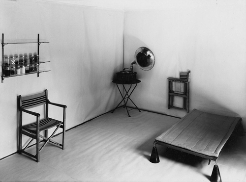 the bauhaus itsalldesign by vitra design museum daily icon. Black Bedroom Furniture Sets. Home Design Ideas